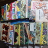 19 tea- card type books & over 200 loose cards