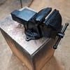 Heavy duty swivel bench vice