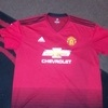 Man United t shirt