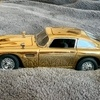 Gold 007 aston martin db5
