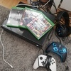 Xbox one 2pads 4 games
